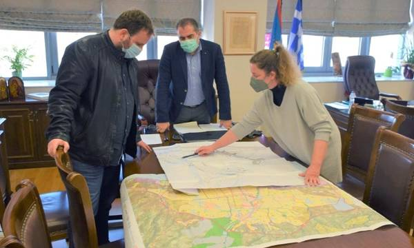 Αναζήτηση λύσεων και προτάσεις για τη στάθμευση στο κέντρο της Καλαμάτας