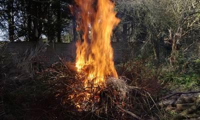 Το νου σου: Πού απαγορεύεται οποιαδήποτε μορφή καύσης από τις 15 Απριλίου!