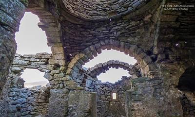 Στη Βουλή από τον Σταύρο Αραχωβίτη η συντήρηση του Βυζαντινού Ναού του Ασωμάτου της Μάνης (video)