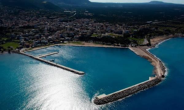 Πετράκος: «Καθυστερήσεις και «μισές» δουλειές για το λιμάνι της Κυπαρισσίας»