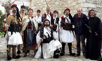 Αρεόπολη: Συνεχίζονται τα γυρίσματα του ντοκιμαντέρ για την Ελληνική Επανάσταση με τον Μανουσάκη