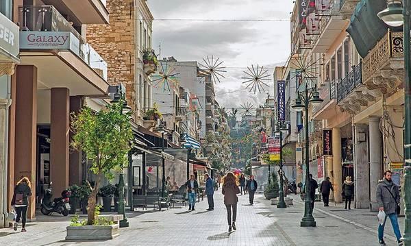 Ο Δήμος Πατρέων μείωσε 50% τα τέλη κοινόχρηστων χώρων!