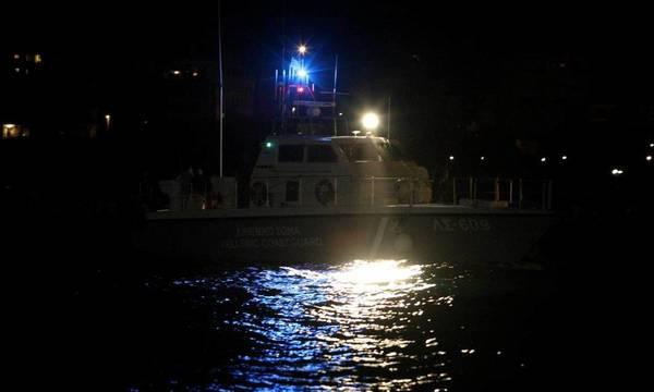 Συναγερμός στην Καλαμάτα: Εντοπίστηκε ακυβέρνητο σκάφος με 170 αλλοδαπούς