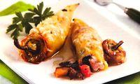 Πιπεριές γεμιστές με τυρί και λαχανικά