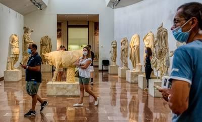 Χαρδαλιάς: Ανοίγουν μουσεία, θέατρα, σινεμά - Όλα τα νέα μέτρα