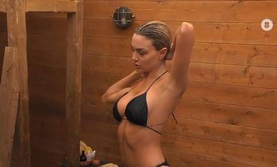 Η Τριπολίτισσα Αλεξάνδρα Παναγιώταρου έκανε το πρώτο της μπάνιο στη Φάρμα και προκάλεσε... ταραχή
