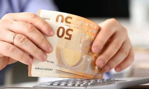 ΥΠΟΙΚ: Μείωση προκαταβολής φόρου και πάγωμα εισφοράς αλληλεγγύης