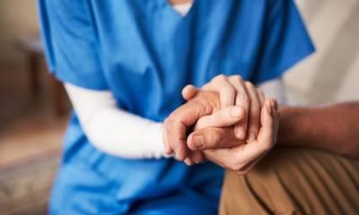 Οι Νοσηλευτές λειτουργούν με το 8ωρο της καρδιάς τους