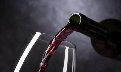 Έρευνα: Οποιαδήποτε ποσότητα αλκοόλ κάνει κακό στον εγκέφαλο