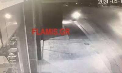 Σοκ: Καρέ - καρέ η θανάσιμη σύγκρουση του 33χρονου μοτοσικλετιστή στη Πάτρα (video)