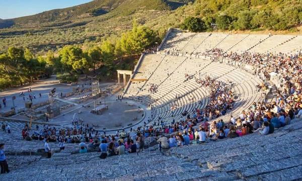 Lockdown: Ανοίγουν θέατρα και συναυλίες σε υπαίθριους χώρους - Tα μέτρα που ισχύουν