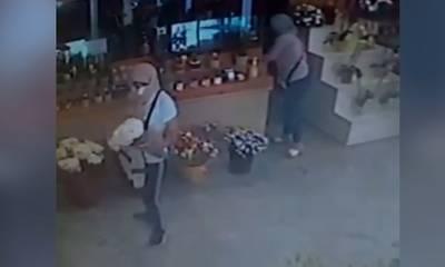 Καλαμάτα: Καταγγελίες για δυο γυναίκες που αποσπούσαν χρήματα και αντικείμενα από καταστήματα