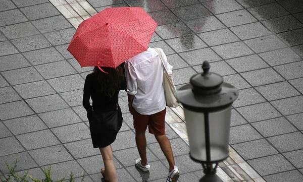 Καιρός: Έρχονται βροχές και καταιγίδες - Πέφτει η θερμοκρασία