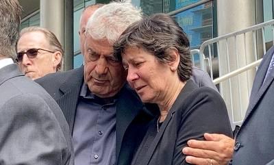 Από τη Νεάπολη Λακωνίας στη Νέα Υόρκη, στη δίκη για τον άδικο χαμό του γιού τους! (photos)