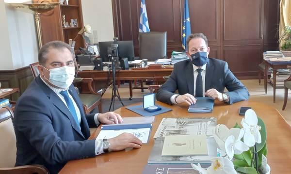 Συνάντηση Βασιλόπουλου με τον Στ. Πέτσα για έργα του Δήμου