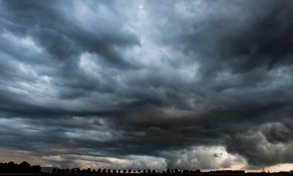 Καιρός:  Άστατος με τοπικές βροχές και σποραδικές καταιγίδες τη Δευτέρα