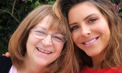 Maria Menounos: Ξέσπασε σε κλάματα στο μνημόσυνο της μαμάς της (video)