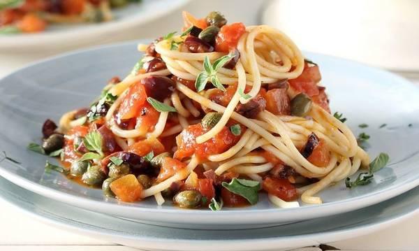 Μακαρονάδα με σάλτσα λαχανικών