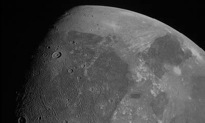 NASA: Κοντινές φωτογραφίες του μεγάλου δορυφόρου του Δία Γανυμήδη