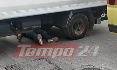 Σοκαριστικό τροχαίο στην Πάτρα: Οδηγός δικύκλου βρέθηκε κάτω από τις ρόδες φορτηγού