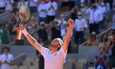 Στέφανος Τσιτσιπάς: Έγραψε ιστορία και προκρίθηκε στον τελικό του Roland Garros