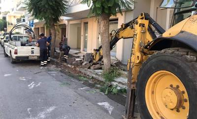 Αποκατάσταση ζημιών και κατασκευή νέων πεζοδρομίων σε διάφορα σημεία της Καλαμάτας