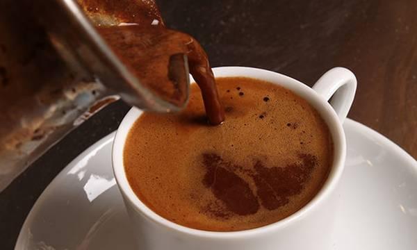 Έρευνα: Μειωμένος ο κίνδυνος χρόνιας ηπατοπάθειας για όσους πίνουν καφέ