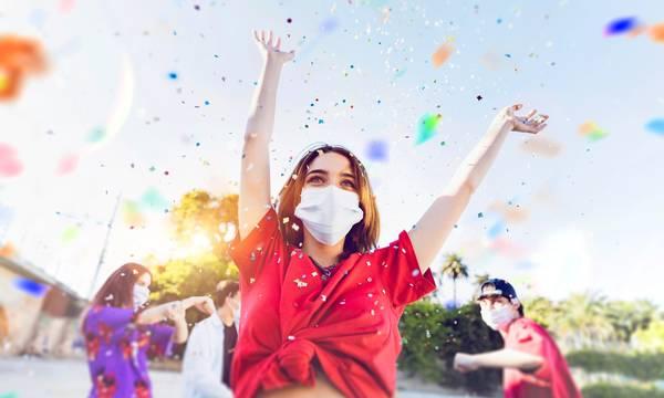 Εισήγηση λοιμωξιολόγων: Τέλος οι μάσκες σε εξωτερικούς χώρους, καταργείται η απαγόρευση κυκλοφορίας