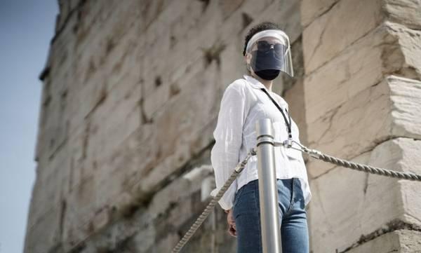 Έρευνα: Οι χειρουργικές μάσκες προστατεύουν καλά από τον κορονοϊό - Οι πλαστικές προσωπίδες καθόλου