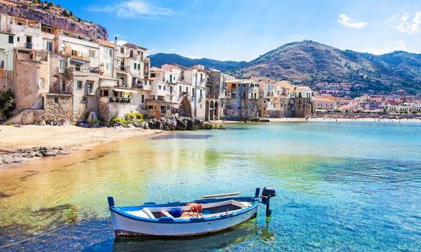 Cefalu: Η Μάνη αλα Ιταλικά!