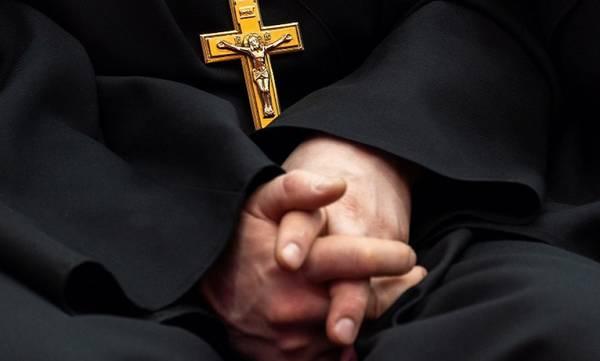 Αγρίνιο: Συνελήφθη ιερέας για βιασμό και παιδική πορνογραφία
