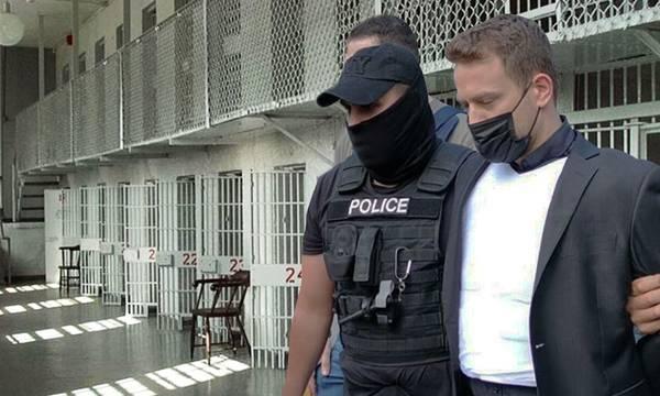 Γλυκά Νερά: Αυτό είναι το κελί του συζυγοκτόνου στον Κορυδαλλό (video)
