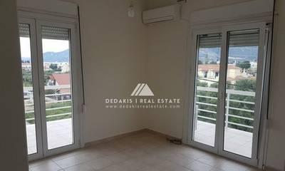 Πωλείται διαμέρισμα 72τ.μ. στο Λουτράκι
