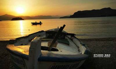 Μαγευτικό το Ναύπλιο όταν δύει ο ήλιος