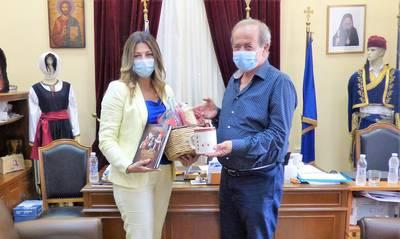 Τι έκανε η Σοφία Ζαχαράκη στο γραφείο του Πέτρου Ανδρεάκου;