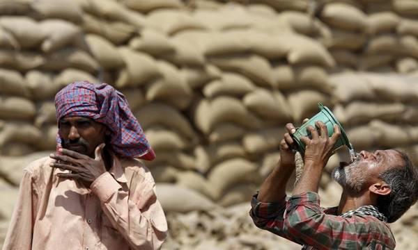Φτώχεια και ζέστη εξοντώνουν τους εργάτες στους «σκληρούς» κλάδους!