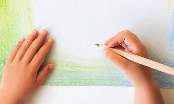 Ο Ερυθρός Σταυρός βραβεύει 30 μαθητές που αρίστευσαν σε διαγωνισμό ζωγραφικής