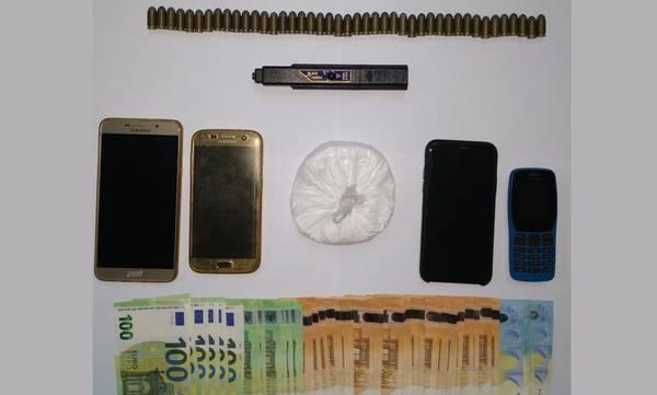 Tον συνέλαβαν με 100 gr κόκα, 3.500€ και Τaizer στο αυτοκίνητο!
