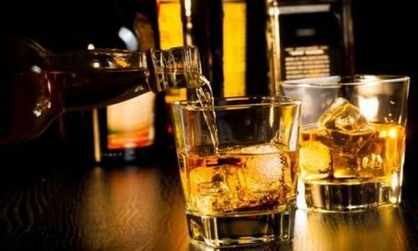 ΑΑΔΕ: Κατασχέθηκαν 54 τόνοι ποτά «μπόμπες» σε 48 ώρες