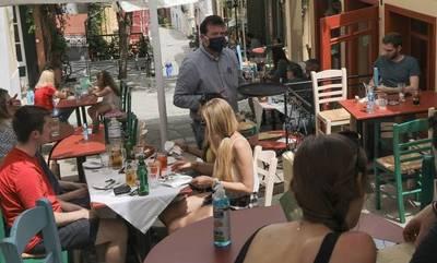 Σχέδιο για μονιμοποίησης μειωμένου ΦΠΑ σε καφέ, μεταφορές, εισιτήρια και τουριστικό πακέτο