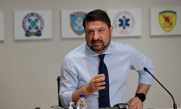 Κορονοϊός: Έκτακτη ενημέρωση από τον Χαρδαλιά στις 19.00 μετά την «έκρηξη» των κρουσμάτων