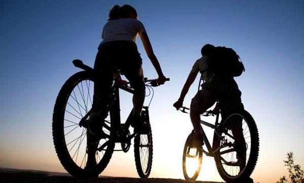 Η Κοινωνία Μαγούλας πάει… ποδηλατάδα και παίζει Θέατρο Κούκλας
