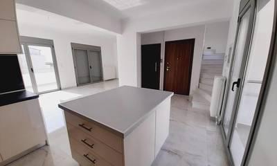 Πωλείται διαμέρισμα/μεζονέτα 5ου & 6ου ορόφου στο Λουτράκι