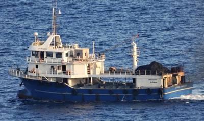 Κύθηρα: Πλέουν προς Σμύρνη τα τουρκικά αλιευτικά που είχαν αγκυροβολήσει έξω από το Καψάλι (photos)