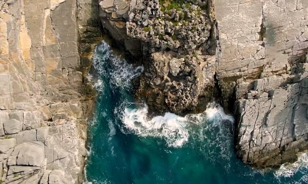 Καταφύγι. Εδώ ο Ταϋγετος ακουμπά τη θάλασσα για να οργιάσουν! (video)