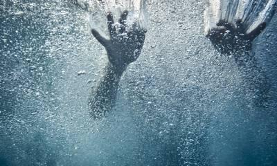 Παραλίγο τραγωδία στο Ναύπλιο - Γυναίκα σώθηκε από πνιγμό στη θάλασσα