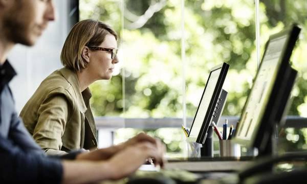 ΣτΕ: Διάλειμμα 15 λεπτών για κάθε δίωρο για όσους δουλεύουν σε υπολογιστή στο Δημόσιο