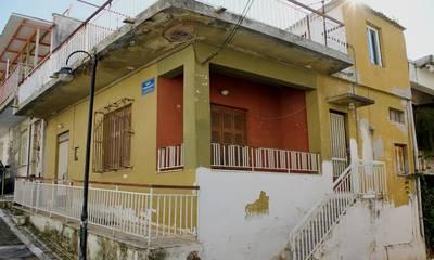 Πωλείται μονοκατοικία 65 τ.μ. με έξτρα δικαίωμα δόμησης στην Ράχη Καλαμάτας