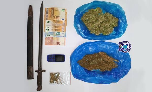 Τον συνέλαβαν στη Μάνη με χασίσι, ξιφολόγχη και 350€