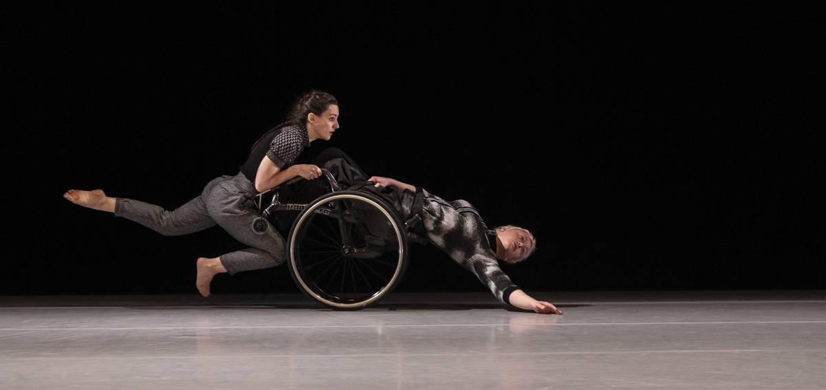 MIXED-DOUBLES_Sknes-Dansteater_ROSER-LPEZ-ESPINOSA_Fine-Lines_0877A_SDT--Tilo-Stengel-1-1.jpg